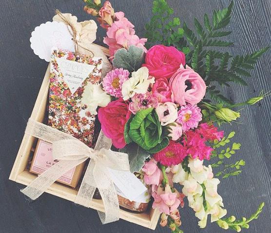 Ngắm hoa mỗi ngày